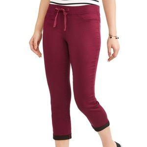 3/$20 No Boundaries Pull On Capri Red Black Pants